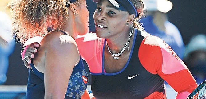 Serena Williams congratulates Naomi Osaka after the Australian Open Semi-final